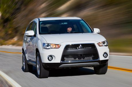 Mitsubishi trieu hoi 200.000 xe Outlander va Outlander Sport - Anh 1