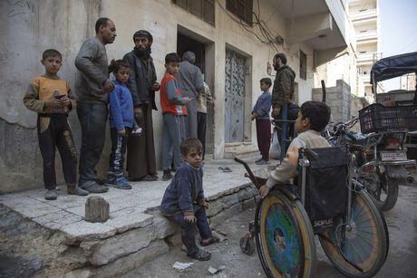 Nga phong ten lua tu tau san bay, Syria oanh tac ac liet phien quan - Anh 1