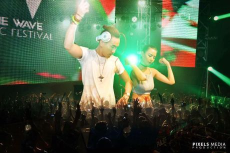 Toc Tien trinh dien cung top 10 DJ the gioi trong le hoi am nhac EDM 12 ty - Anh 5