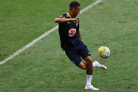 Peru vs Brazil (0-2): Neymar va dong doi tan cong mau lua - Anh 14