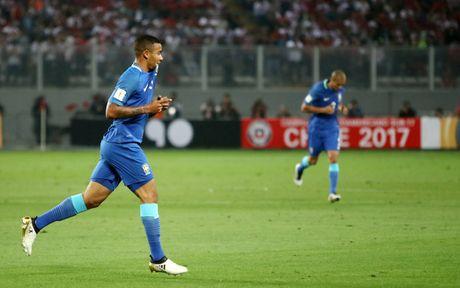 Peru vs Brazil (0-2): Neymar va dong doi tan cong mau lua - Anh 1