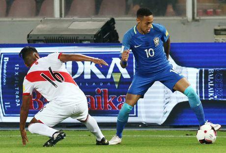 Peru vs Brazil (0-2): Neymar va dong doi tan cong mau lua - Anh 8