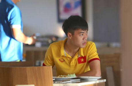 Cong Vinh, Cong Phuong an sang muon sau buoi tap the luc - Anh 7
