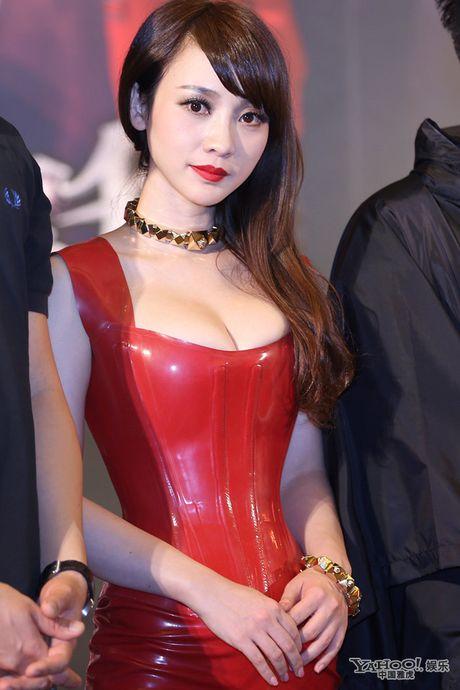 Lieu Nham va chong sao nu goc Viet cong kich Luu Khai Uy - Anh 2