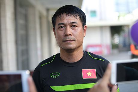 HLV Huu Thang che khach san be, thieu phong tap gym - Anh 1