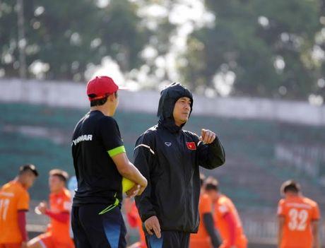 HLV Huu Thang ly giai viec Tuan Anh chan thuong van sang Myanmar - Anh 1