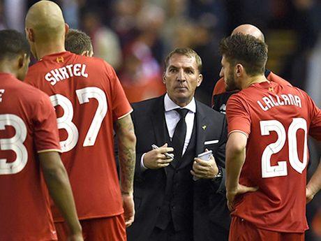 Goc chien thuat: Mot hang thu 3 nguoi khoi nguon tu… Brendan Rodgers - Anh 1