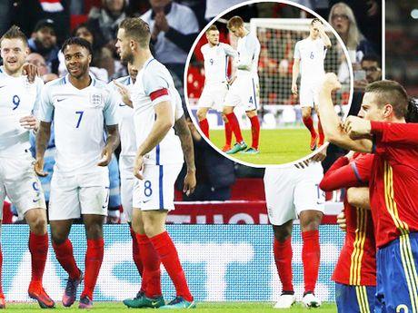 Wayne Rooney lo hinh anh 'kho do' sau khi uong ruou ca dem - Anh 2