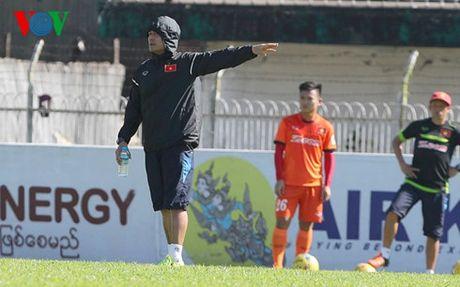 HLV Huu Thang: 'Tuan Anh khong con nhieu co hoi thi dau tai AFF Cup' - Anh 1