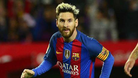 Doi hinh xuat sac nhat moi thoi dai cua Lucio: Messi sat canh ben CR7 - Anh 10