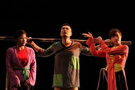 San khau Viet: Loay hoay dinh nghia 'thu nghiem' - Anh 1
