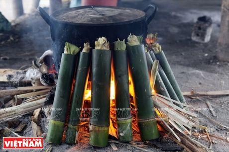 Huong dan cach lam mon com lam noi tieng cua nguoi Tay Bac - Anh 3