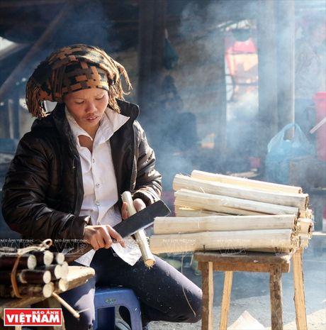 Huong dan cach lam mon com lam noi tieng cua nguoi Tay Bac - Anh 4