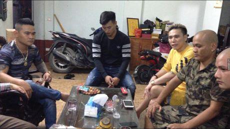 Clip thanh nien danh Chau Viet Cuong xin loi bi cho la 'lam mau' - Anh 2