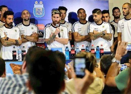 HAU TRUONG (17.11): Balotelli lam no thanh pho, Que Ngoc Hai 'hua leo' - Anh 5