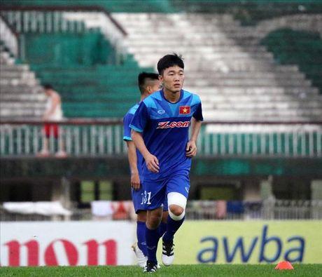 Xuan Truong la 1 trong nhung cau thu tre dang xem tai AFF Cup 2016 - Anh 1