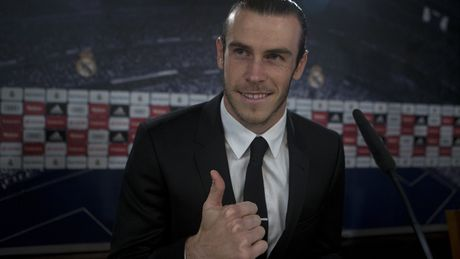 Bale chon nguoi dong doi tuyet voi nhat: Khong phai Ronaldo - Anh 1