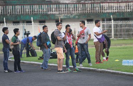 DT Malaysia 'cam cua' phong vien Viet Nam - Anh 2