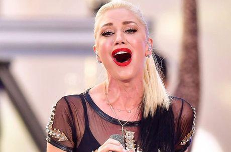 Phat hoang voi mat cung do, bien dang cua sao Hollywood vi Botox - Anh 7