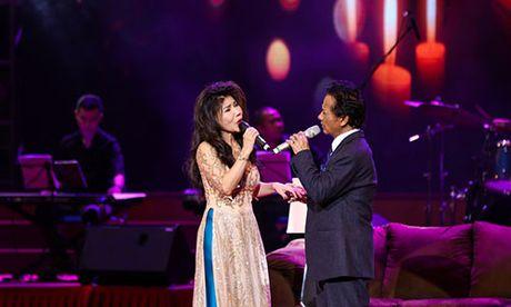 Che Linh ket hop cung Phi Nhung trong liveshow tai Thanh Hoa - Anh 2