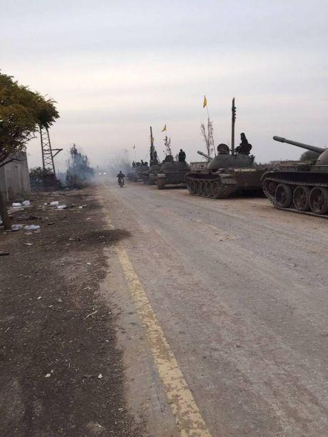 Kinh ngac dan vu khi Hezbollah tap trung danh IS o Syria - Anh 2