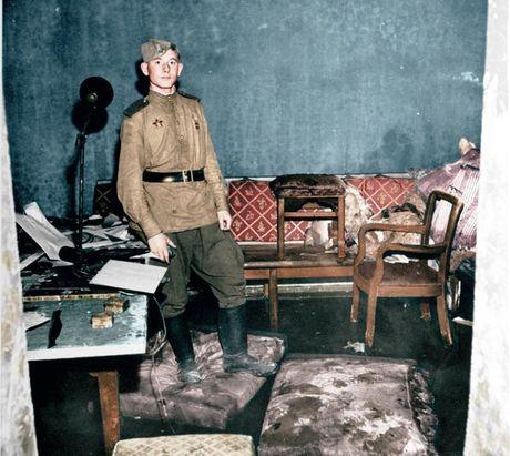 Anh am anh ben trong boongke trum phat xit Hitler tu sat - Anh 1