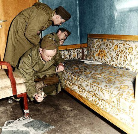 Anh am anh ben trong boongke trum phat xit Hitler tu sat - Anh 3