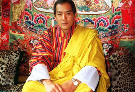 4 hoang hau la chi em ruot tai quoc gia hanh phuc Bhutan - Anh 1