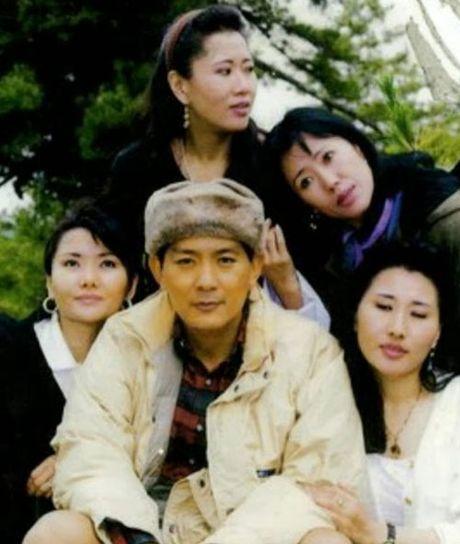 4 hoang hau la chi em ruot tai quoc gia hanh phuc Bhutan - Anh 3