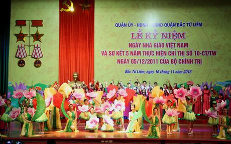 Ha Noi: Quan Bac Tu Liem to chuc Le ki niem Ngay Nha giao Viet Nam - Anh 8