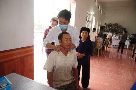 Hoi nghi giao ban Uy ban Doan ket Cong giao cum Tay Nam Bo - Anh 1