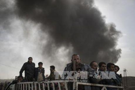 IS sat hai hang tram cuu canh sat o Iraq - Anh 1
