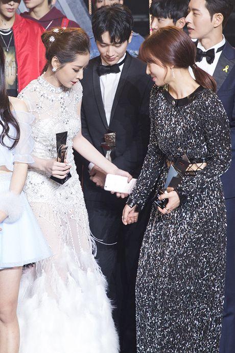 Chi Pu gian di van xinh khi di phong van voi dai KBS - Anh 7