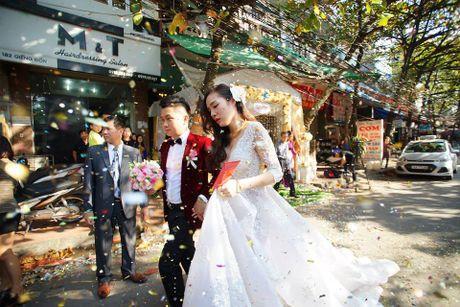 Choang vang dan sieu xe 50 ty trong le cuoi cua dai gia Quang Ninh - Anh 18