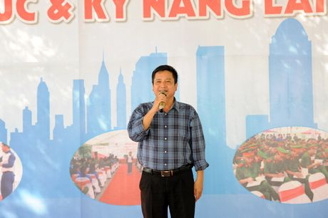 Khai mac Ngay hoi 'Thap sang uoc mo tuoi tre CAND' - Anh 8