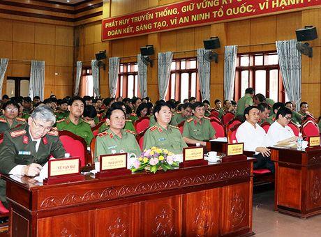 Thu truong Bui Van Nam tham va viec tai Cong an Ha Tinh - Anh 2