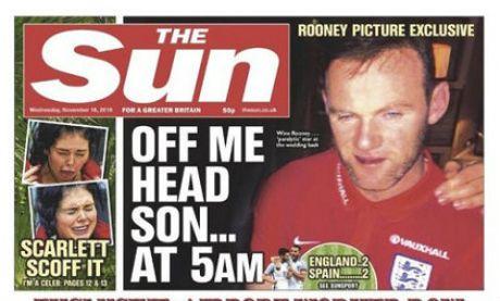 """Rooney chim trong """"bien ruou"""", bi fan nhiec moc tham te - Anh 1"""