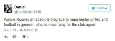 """Rooney chim trong """"bien ruou"""", bi fan nhiec moc tham te - Anh 2"""