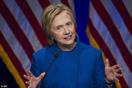 Hillary gia nua trong lan xuat hien cong khai dau tien sau that bai - Anh 1