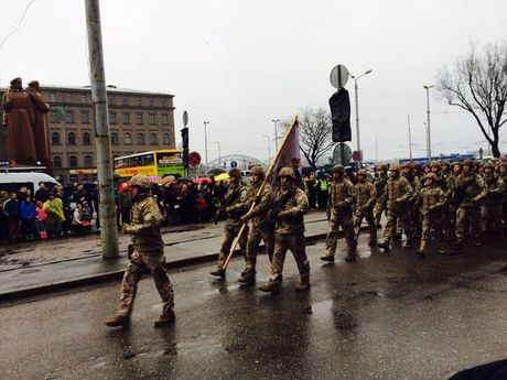 Lang gieng Nga lap can cu quan su 'khung' o Baltic de ho tro NATO - Anh 1