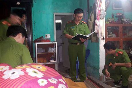 Bat hai doi tuong sat hai thu nhang chua lay tien cong duc - Anh 1