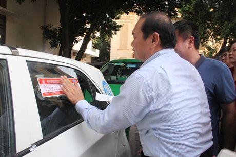 Dan de can cam ket '5 khong' cho lai xe taxi - Anh 2