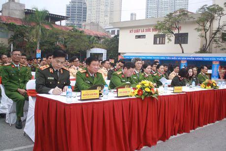 Khai mac ngay hoi 'Thap sang uoc mo tuoi tre Cong an nhan dan' - Anh 2