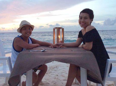 Chuyen di Maldives trong mo cua me don than ung thu va con trai - Anh 14