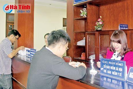 Cai cach TTHC o BHXH Ha Tinh: Doanh nghiep, nguoi dan huong loi! - Anh 1