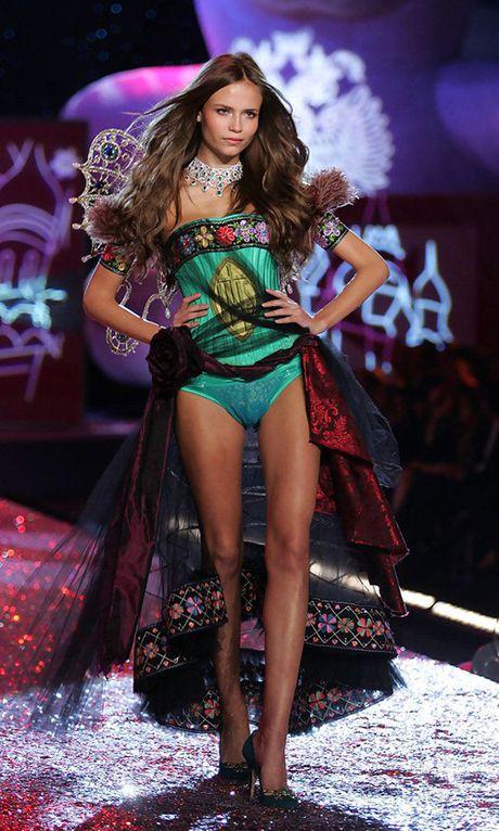 6 su co 'nho doi' trong cac show Victoria's Secret - Anh 1