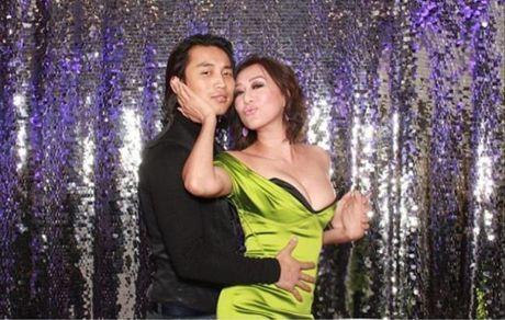 MC Ky Duyen khoe sac ben ca si Dan Nguyen khien fan nu ghen ti - Anh 2