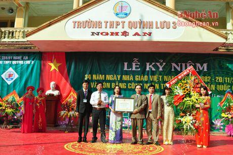 Truong THPT Quynh Luu 3 don Bang cong nhan dat chuan Quoc gia - Anh 2
