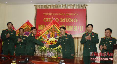Bo Tu lenh Quan khu 4 chuc mung ngay Nha giao Viet Nam 20/11 - Anh 1