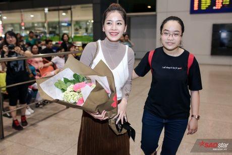 Tro ve tu Han Quoc, Chi Pu duoc dong dao fan vay don tai san bay luc toi muon - Anh 8